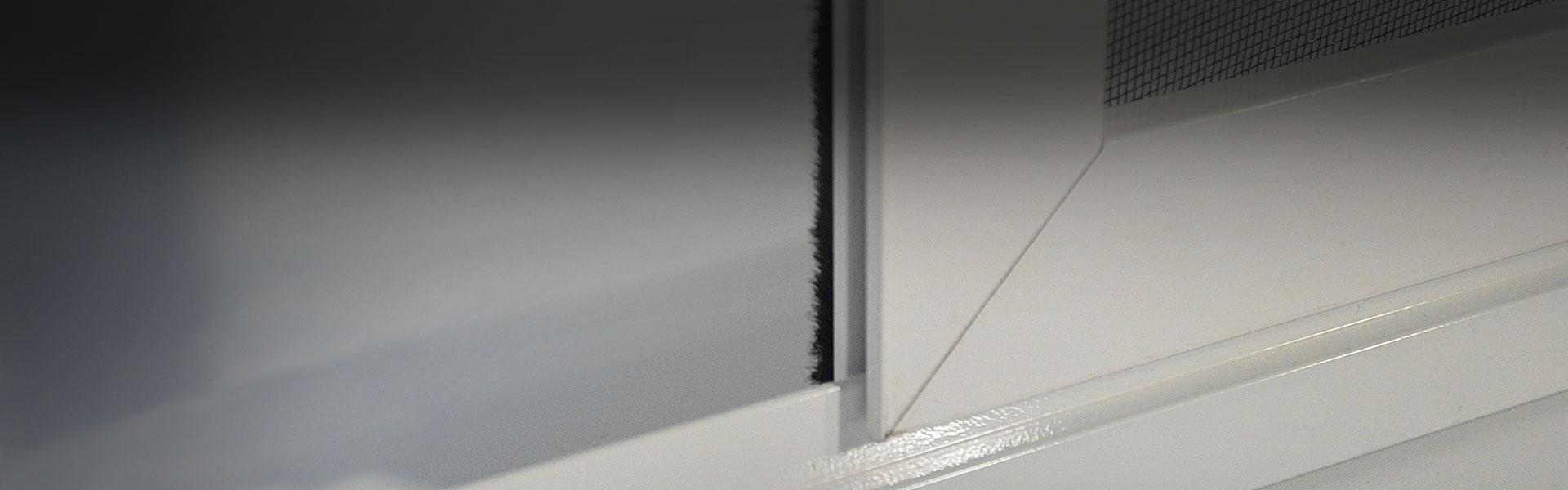Posuvná dveřní síť v rámu 13x62